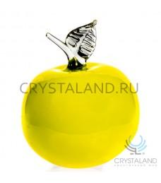 Сувенир в виде большого яблока из цветного стекла 17 см