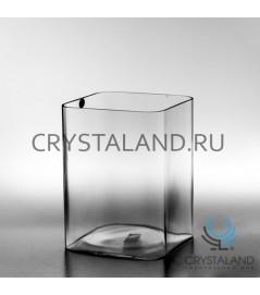 Стеклянная ваза для цветов в виде квадрата 20см.